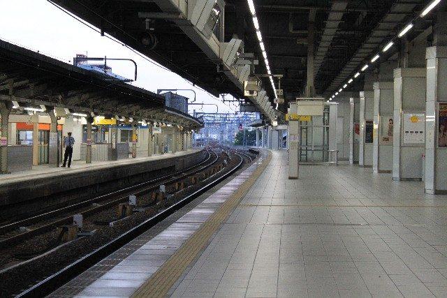 電車・ホーム